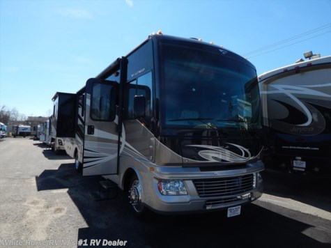 2015 Fleetwood Bounder  35K Bath & 1/2, Double Slide-out