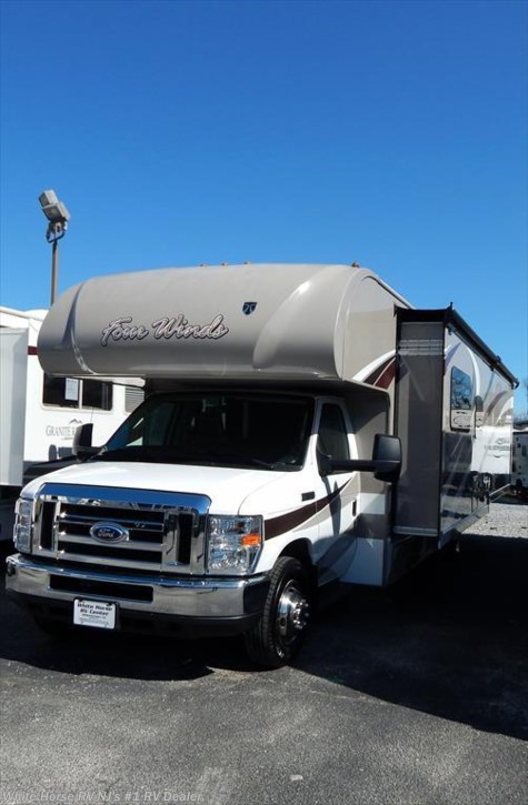 2016 Thor Motor Coach Four Winds  31W Rear queen, Full Wall Slide-out