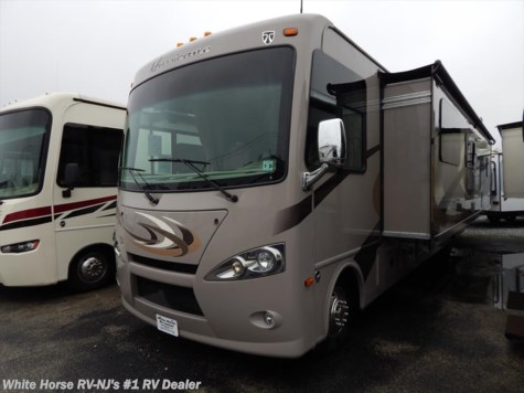 2015 Thor Motor Coach Hurricane  34F King Bed, Full Wall Slide-out