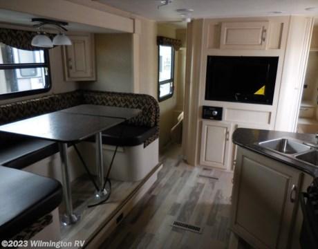 Awesome 2016 WINNEBAGO MINNIE 2451BHS Jacksonville FL  RV RVs For Sale  Savanna