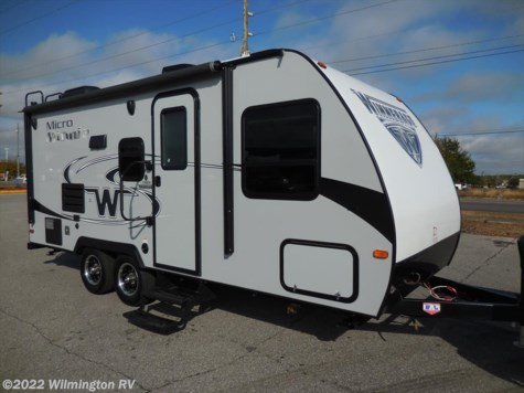 2017 Winnebago Micro Minnie  2106 DS