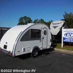 Wilmington RV 2018 T@B Max CS-S/Outback Platform/Bag Door  Travel Trailer by NuCamp | Wilmington, North Carolina