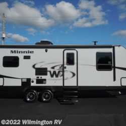 Wilmington RV 2018 Minnie 2500RL/New Front Cap  Travel Trailer by Winnebago | Wilmington, North Carolina