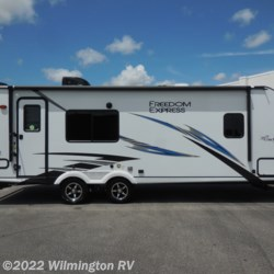 2020 Coachmen Freedom Express Ultra Lite 246 RKS  - Travel Trailer New  in Wilmington NC For Sale by Wilmington RV call 877-843-1338 today for more info.