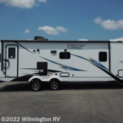 2020 Coachmen Freedom Express Ultra Lite 279 RLDS  - Travel Trailer New  in Wilmington NC For Sale by Wilmington RV call 877-843-1338 today for more info.