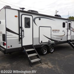2020 Forest River Rockwood Ultra Lite 2614 BS  - Travel Trailer New  in Wilmington NC For Sale by Wilmington RV call 877-843-1338 today for more info.