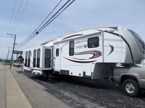 Used 2014 Palomino Sabre 33 CKTS For Sale by Winnebago Motor Homes available in Rockford, Illinois