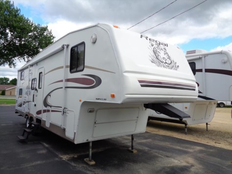 Used 2005 Fleetwood Prowler 2952 BS For Sale by Winnebago Motor Homes available in Rockford, Illinois
