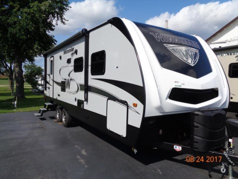2018 Winnebago Minnie Plus  26RBSS