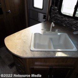 2018 Gulf Stream Conquest 301TB  - Travel Trailer New  in Phenix City AL For Sale by The Camper Store call 833-882-0308 today for more info.