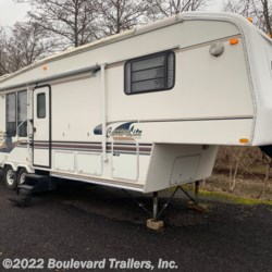 1997 Carri-Lite 732RKS  - Fifth Wheel Used  in Whitesboro NY For Sale by Boulevard Trailers, Inc. call 315-217-5542 today for more info.