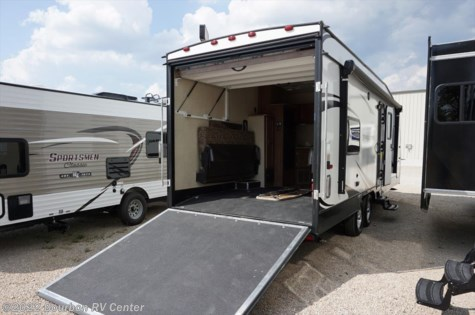 Used 2017 Gulf Stream Track & Trail 24RTHSE For Sale by Bourbon RV Center available in Bourbon, Missouri