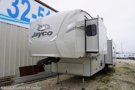 New 2018 Jayco Eagle 327CKTS For Sale by Bourbon RV Center available in Bourbon, Missouri