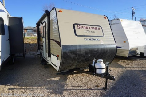 Used 2017 K-Z Sportsmen Classic 180QB For Sale by Bourbon RV Center available in Bourbon, Missouri