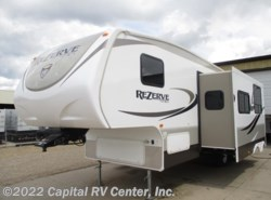 Used 2015  CrossRoads Rezerve RFZ27BH by CrossRoads from Capital RV Center, Inc. in Bismarck, ND