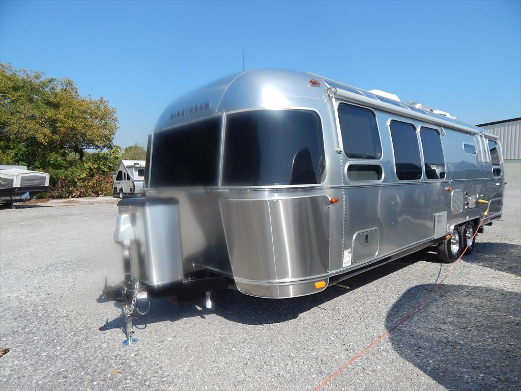 Excellent 2017 Airstream RV International Serenity 30 Twin For Sale In Louisville TN 37777   T37560 ...