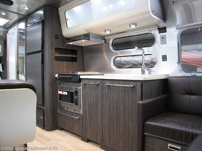 Beautiful 2016 Airstream RV International Signature 28W Queen For Sale In Lakewood NJ 08701 | 10835 ...