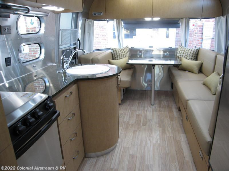 Cool 2017 Airstream RV Flying Cloud 27FB Queen For Sale In ...