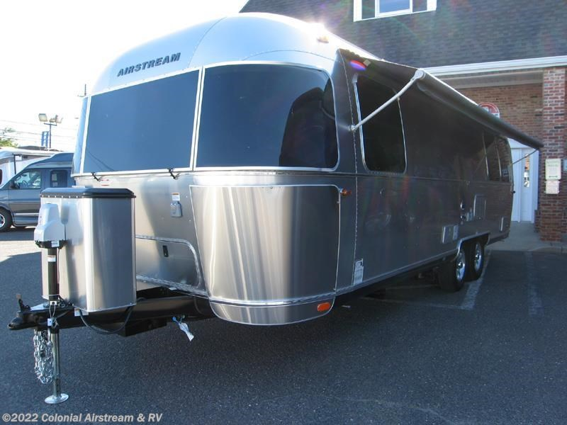 Innovative 2017 Airstream RV Flying Cloud 27FB Queen For Sale In ...