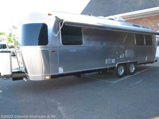 Beautiful 2017 Airstream RV Flying Cloud 27FB Queen For Sale In ...