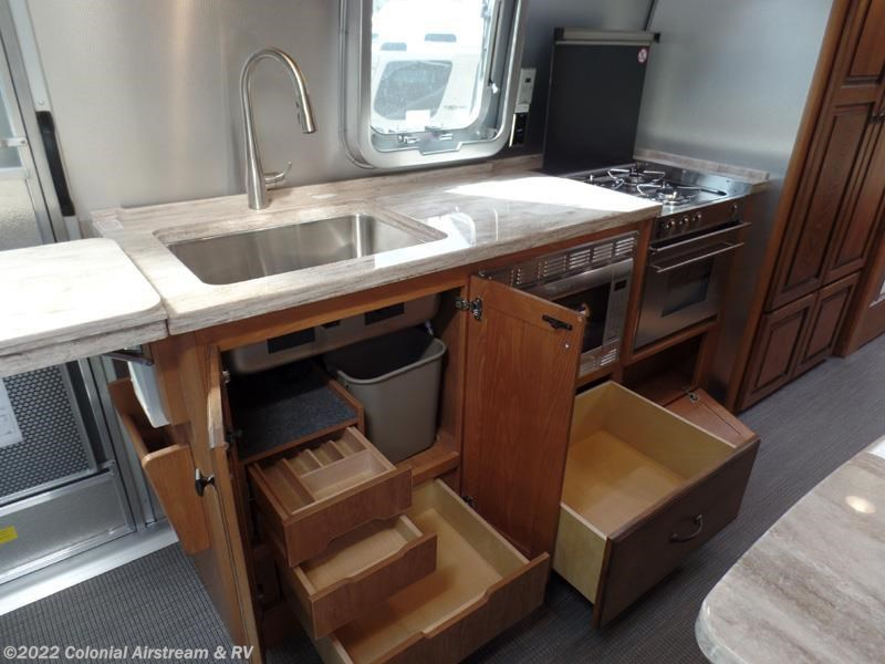Luxury 2017 Airstream RV Classic 30A Twin For Sale In Lakewood NJ 08701 | 11053 | RVUSA.com Classifieds