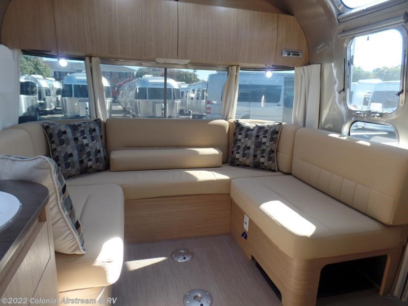 Cool 2017 Airstream RV Flying Cloud 26B Queen 26U For Sale In Lakewood NJ 08701 | 11058 | RVUSA.com ...