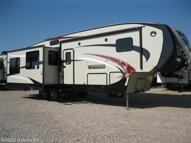 2015 Winnebago Latitude 33CK