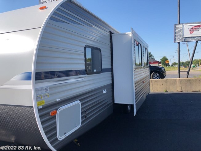 2021 Shasta Shasta 26DB - New Travel Trailer For Sale by 83 RV, Inc. in Mundelein, Illinois features 30 Amp Service, Air Conditioning, Awning, Battery Charger, CO Detector, Converter, Furnace, LP Detector, Microwave, Oven, Refrigerator, Slideout, Smoke Detector, Stove, TV Antenna