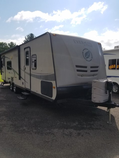 Used 2010 EverGreen RV Ever-Lite 31RLS For Sale by Diamond RV Centre, Inc. available in West Hatfield, Massachusetts