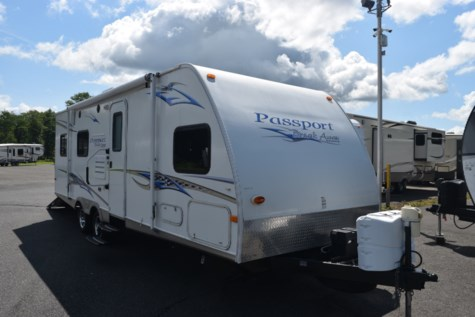 Used 2010 Keystone Passport 25FQ BREAKAWAY For Sale by Diamond RV Centre, Inc. available in West Hatfield, Massachusetts