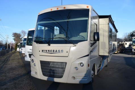 New 2019 Winnebago Vista 29VE For Sale by Diamond RV Centre, Inc. available in West Hatfield, Massachusetts
