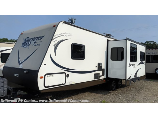 2014 Forest River Surveyor 265RLDS - Used Travel Trailer For Sale by Driftwood RV Center in Clermont, New Jersey