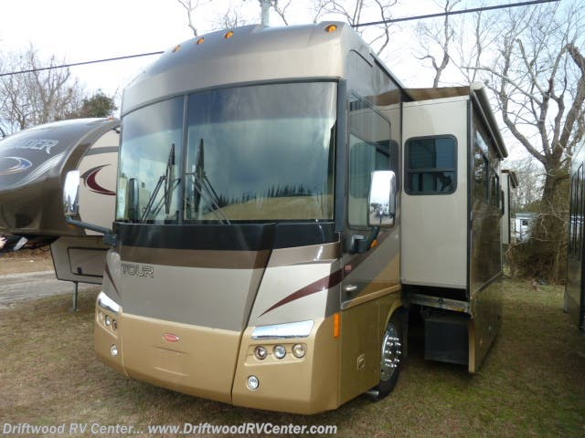 2007 Winnebago Tour 40KD - Used Diesel Pusher For Sale by Driftwood RV Center in Clermont, New Jersey