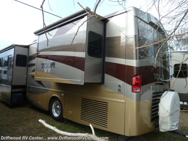 2007 Tour 40KD by Winnebago from Driftwood RV Center in Clermont, New Jersey