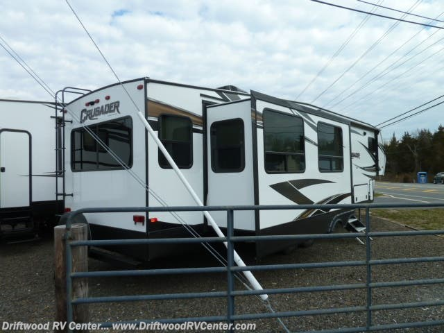 New 2019 Prime Time Crusader 330MBH available in Clermont, New Jersey