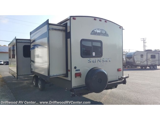 Used 2013 CrossRoads Sunset Trail Reserve 31 available in Clermont, New Jersey