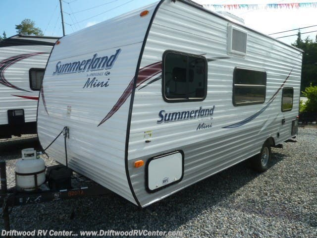 2015 Keystone Summerland Mini 1800BH - Used Travel Trailer For Sale by Driftwood RV Center in Clermont, New Jersey