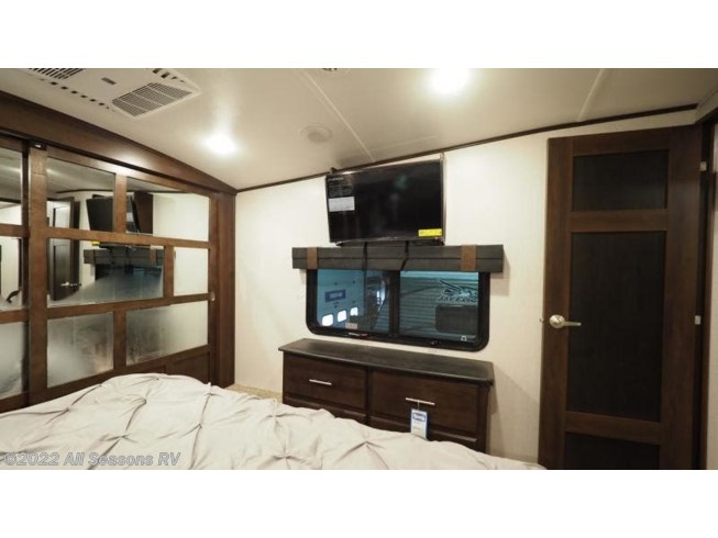 2019 North Point 387RDFS by Jayco from All Seasons RV in Muskegon, Michigan