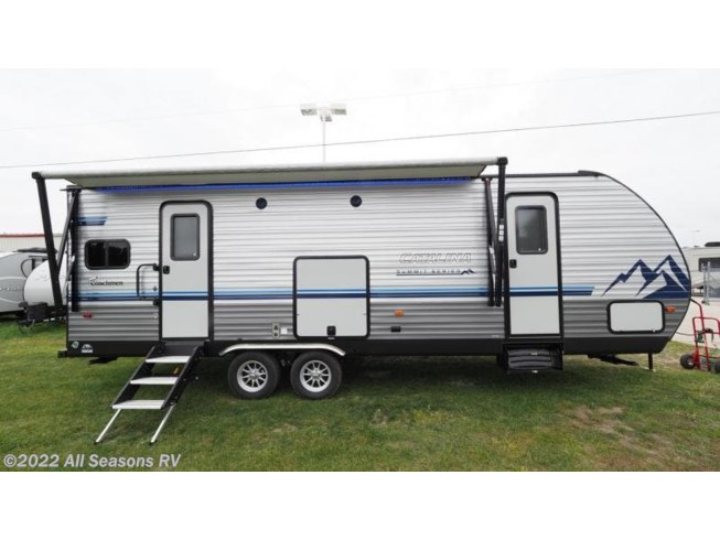 New 2020 Coachmen Catalina Summit Series 8 271RKS available in Muskegon, Michigan