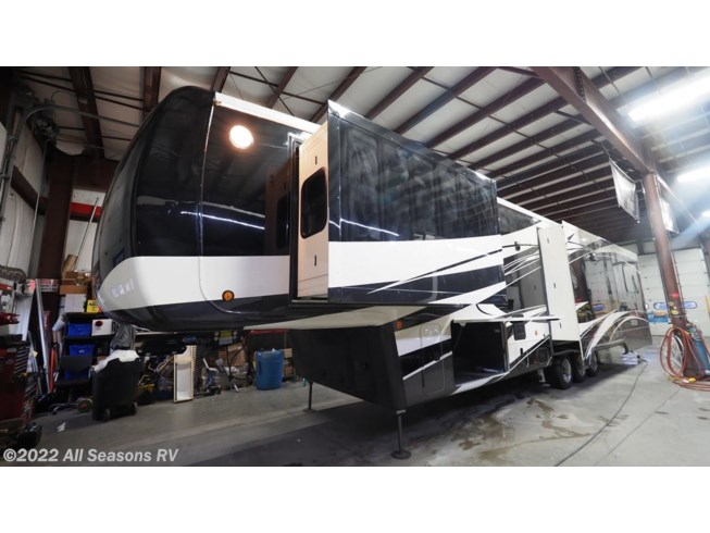 2020 DRV Mobile Suites 44 Memphis - New Fifth Wheel For Sale by All Seasons RV in Muskegon, Michigan