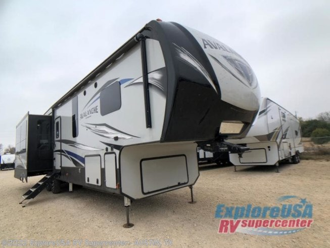 Used 2019 Keystone Avalanche 365MB available in Kyle, Texas