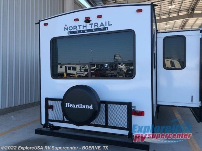 2021 North Trail 33RETS by Heartland from ExploreUSA RV Supercenter - BOERNE, TX in Boerne, Texas