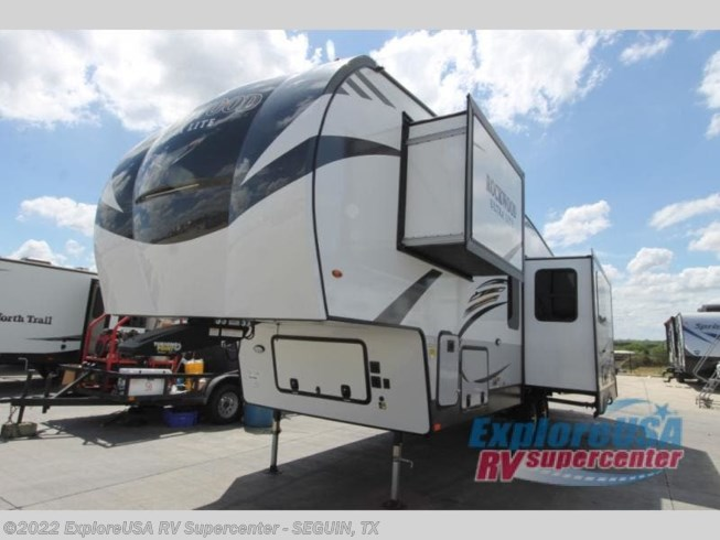 2021 Rockwood Signature Ultra Lite 2891BH by Forest River from ExploreUSA RV Supercenter - SEGUIN, TX in Seguin, Texas
