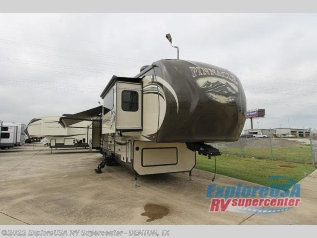 Used 2014 Jayco Pinnacle 38FLFS available in Denton, Texas