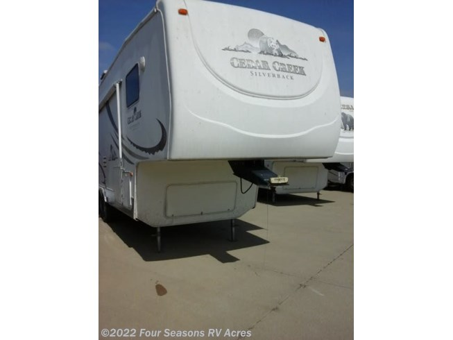 2006 Forest River Cedar Creek Silverback 29LRLBS