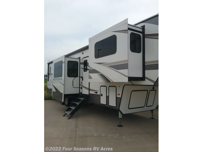 2020 Keystone Montana 3760FL - New Fifth Wheel For Sale by Four Seasons RV Acres in Abilene, Kansas features Spare Tire Kit, Stove Top Burner, External Shower, Ladder, Central Vacuum