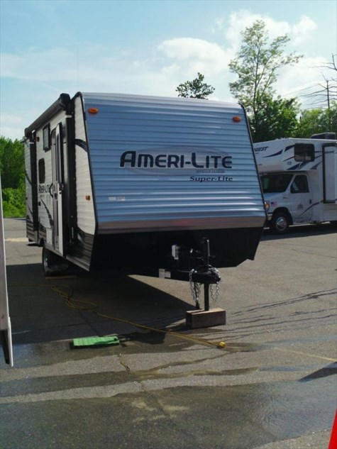 Used 2017 Gulf Stream Ameri-Lite 19DS For Sale by Fuller Motorhome Sales & Rentals available in Boylston, Massachusetts