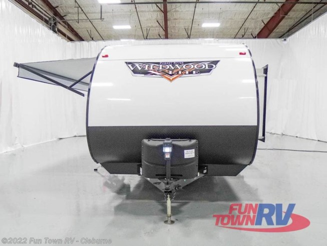 2021 Forest River Wildwood X-Lite 273QBXL - New Travel Trailer For Sale by Fun Town RV - Cleburne in Cleburne, Texas features Slideout