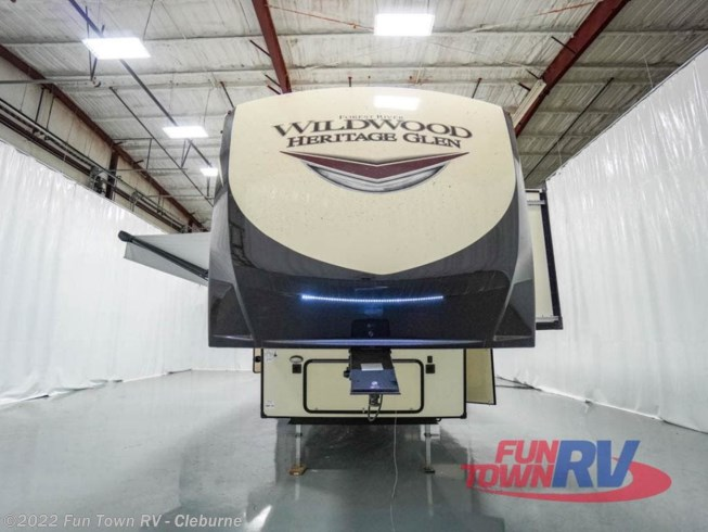 2021 Forest River Wildwood Heritage Glen 369BL - New Fifth Wheel For Sale by Fun Town RV - Cleburne in Cleburne, Texas features Slideout