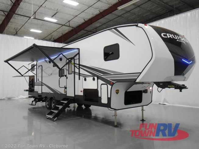 New 2021 CrossRoads Cruiser Aire CR32BH available in Cleburne, Texas